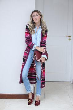 Nati Vozza do Blog de Moda Glam4You usa maxi cardigan e jeans.