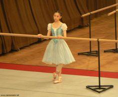 monique loudieres | ... 34) dans le costume de Giselle, répétition avec Monique Loudières
