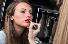 Κόκκινα-Τριανταφυλλί Χείλη | Jenny.gr
