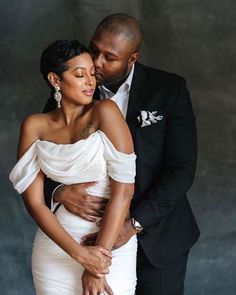 Everyone desires to as happy as they possibly can be with their partner. Have a look at these 13 things couples may do to build and sustain a happier and healthier relationship. Couple Photoshoot Poses, Couple Posing, Couple Shoot, Black Love Couples, Cute Couples, Wedding Poses, Wedding Bride, Bride Poses, Baby Wedding