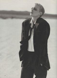 Nadja Auermann #NadjaAuermann #photography #style #fashion #beauty #blonde #BlackAndWhite
