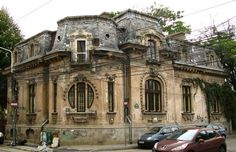 (via Bucurestii noi si vechi) Abandoned Castles, Abandoned Houses, Old Houses, Palace Of The Parliament, Capital Of Romania, French Exterior, Neoclassical Architecture, Bucharest Romania, Beautiful Park
