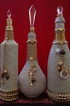 Decorative Bottles : -Read More – - Wine Bottle Glasses, Empty Wine Bottles, Wine Bottle Art, Diy Bottle, Liquor Bottles, Bottles And Jars, Glass Bottles, Pot Mason, Glass Bottle Crafts