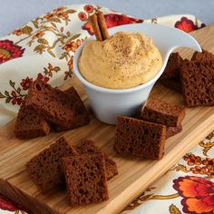 Pumpkin Cheesecake Dip with Gingerbread Toasts on http://buttercreamblondie.com
