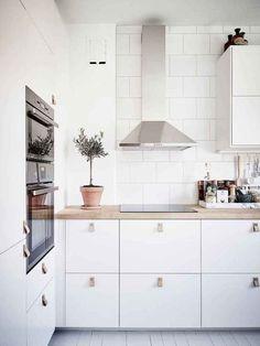 70 Gorgeous White Kitchen Design and Decor Ideas - Page 49 of 65 Home Interior, Kitchen Interior, Kitchen Decor, Kitchen Ideas, Diy Kitchen, Ikea Kitchen Inspiration, Coastal Interior, Eclectic Kitchen, Interior Ideas