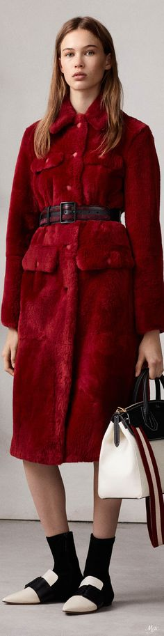 Fall 2018 RTW Bally Red Fur, Autumn Fashion 2018, Black White Red, Shades Of Red, Mode Inspiration, Chic Outfits, Dress To Impress, Work Wear, Street Style