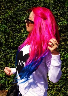 """! * YULIE KENDRA´S LIFE * !: Let´s start the week with my """"Outfit of the day"""" blue pink mermaid hair bluehair pinkhair mermaidhair blogger fashion blog bloggers trend coco hoodie sweater sunglasses betsey johnson"""
