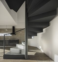 Casa de Amelie proyecto de M2.senos. Fotografías de Fernando Guerra   FG+SG. #arquitectura #arquitecturasingular #arquitecturaenportugal