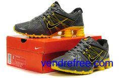 online store 8d1c4 c1109 Vendre pas cher Homme Nike Shox R4 Chaussures (couleur sole,vamp et logo- gris,jaune interieur-noir,gris) en ligne en France.