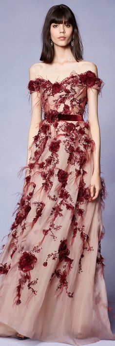 Marchesa Notte Resort 2018 Fashion Show Collection Couture Fashion, Runway Fashion, Fashion Show, Marchesa Fashion, Fashion Design, Women's Fashion, Vestidos Fashion, Fashion Dresses, Beautiful Gowns