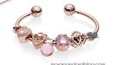 Pandora Rose Autumn 2018 preview Pandora Open Bangle, Pandora Bracelet Charms, Pandora Jewelry, Mora Pandora, Nail Jewelry, Jewellery, Pandora Rose Gold, Hand Accessories, Pretty Hands