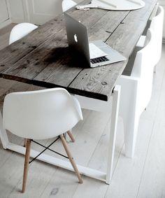 metal blanco y madera