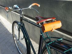 Los Martínez Banco de bicis Alquiler de bicicletas especiales para ocasiones especiales Bicicletas Raleigh, Raleigh Bikes, Old Bicycle, Vintage Bicycles, Touring, Automobile, Motorcycle, Bike Stuff, Wilderness