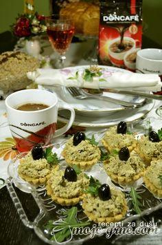Sponzorisani post Slave su u svim srpskim domovima jedno od najznačajnijih porodičnih slavlja. Bilo da je vaša u zimskom ili letnjem periodu i bilo da pravite veću ili manju gozbu, posnu ili mrsnu, znamo da to zahteva dosta truda i ljubavi ali i poneki novi recept… svaki put. Kako bismo vas inspirisali i pomogli vam …