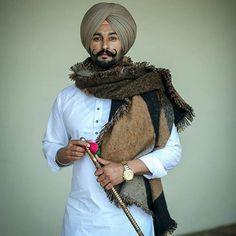 Indian Men Fashion, Mens Fashion, Turban Fashion, Punjabi Kurta Pajama Men, Punjabi Boys, Punjabi Models, Sleeves Designs For Dresses, Designer Suits For Men, Men With Street Style
