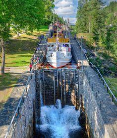 Telemarkskanalen, al reeds meer dan 100 jaar oud! Stavanger Norway, Beautiful Norway, Covered Bridges, Oslo, Niagara Falls, Zen, Places To Visit, Country, Travel Ideas