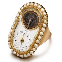a pink gold and pearl-set ring w Antique Watches, Antique Clocks, Vintage Watches, Vintage Rings, Vintage Jewelry, Ring Clock, Unusual Clocks, Ring Watch, Pearl Set