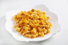 Pasta con salsa al mango, sgombro scottato e salicornia ricetta