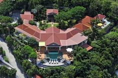 Related posts: The Late Steve McQueen's crib sold for $6.5M Bayview world-class French-style villa up for sale Jaw-dropping Villa Settimo Cielo in the Pacific Riviera Pre-war manor-style retreat for sale for $8.45M