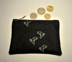 Portamonete, portacarte con cerniera, in cotone nero fantasia origami.