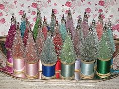 10 Bottle Brush Tree Decorating Ideas by Adirondack Girl @ Heart Noel Christmas, All Things Christmas, Vintage Christmas, Christmas Place, Christmas Canvas, Tree Crafts, Christmas Projects, Holiday Crafts, Wooden Spool Crafts