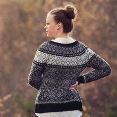Strikk for dame Knitting Patterns, Knitting Ideas, Turtle Neck, Pullover, Crochet, Knitting Machine, Inspiration, Vests, Fashion