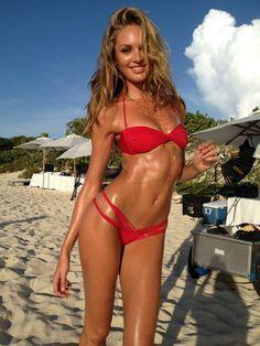 Know site orite chicks in bikinis