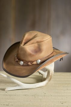 The American-made Comstock is one of those hats that instantly becomes your everyday favorite with all of its fine features. Leather Cowboy Hats, Felt Cowboy Hats, Cowgirl Hats, Western Hats, Western Style, Western Wear, Mens Dress Hats, Cowboy Gear, Leather Bags Handmade