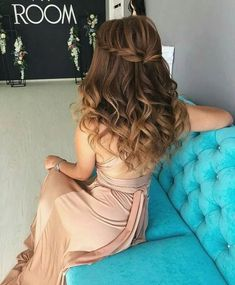 59 Pretty Prom Hairstyle Ideas For Curly Long Hair 59 Pretty Prom Hair Medium Thin Hair, Short Thin Hair, Long Curly Hair, Medium Hair Styles, Curly Hair Styles, Grad Hairstyles, Wedding Hairstyles For Long Hair, Down Hairstyles, Hairstyle Ideas