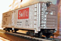 Tyco 1974 Brown Box HO-Scale Train Car Private Owner Swift Refridgerated Boxcar - http://hobbies-toys.goshoppins.com/model-railroads-trains/tyco-1974-brown-box-ho-scale-train-car-private-owner-swift-refridgerated-boxcar/