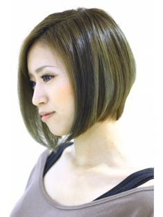 前下がりボブ Long Bob Hairstyles, Hairstyles With Bangs, Medium Hair Styles, Short Hair Styles, Summer Haircuts, Hair Arrange, Asian Hair, Hair Designs, Short Hair Cuts