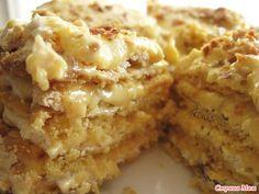 Привлекло меня в этом тортике то, что два коржа (песочный и безе) выпекаются вместе! Сделала, попробовала... вкусно! Коржи: 1-й корж: 2 желтка 1/3 ст. сахара