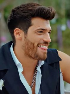 Turkish Men, Turkish Beauty, Turkish Actors, Hand Lettering Tutorial, Love Can, Book Of Life, Gorgeous Men, Beautiful People, Haircuts For Men