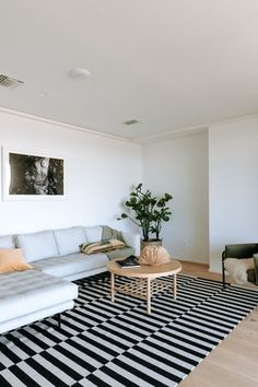 Living Room Design Ideas: Layout, Styling, Space, and Storage | Hunker Small Space Living, Living Spaces, Room Layout Design, Living Room Designs, Living Room Decor, Beautiful Living Rooms, Entertainment Center, Home, Style