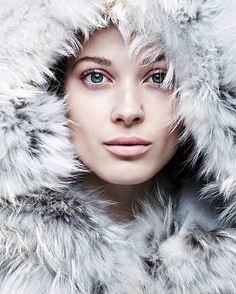 "Larissa Hofmann in ""Bellas Artes"" by Steven Pan for Vogue Spain, November 2014"