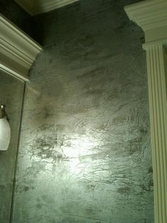 Tissue and metallic plaster finish by Tracy Wade Design, LLC Faux Walls, Plaster Walls, Textured Walls, Wall Finishes, Faux Paint Finishes, Art Decor, Decoration, Polished Plaster, Faux Painting