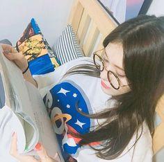Isn't that Somi? Jeon Somi, Sulli, South Korean Girls, Korean Girl Groups, Jung Chaeyeon, Ms Gs, Yoona, Ulzzang Girl, Korean Beauty