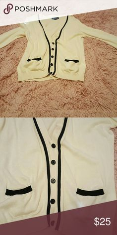 FLASH SALE Cardigan Super cute. Cream with navy detailing. In mint condition. Banana Republic Sweaters Cardigans