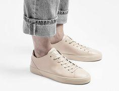 Handcrafted in Germany: Sneaker aus Leder in Rosé. Hier entdecken und shoppen: http://sturbock.me/wDy