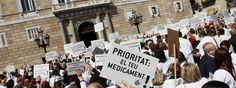 Los farmacéuticos se concentran contra los impagos de la Generalitat.  http://www.farmaciafrancesa.com/main.asp?Familia=189