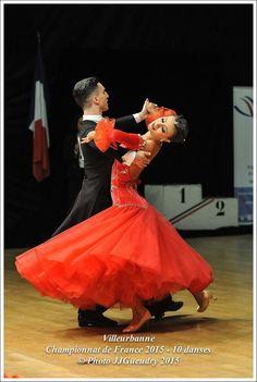 Acapulco Paradiso Blog | Sparkling on the dance floor! / Brillez sur la piste de danse !