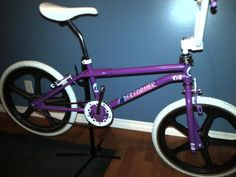 1986 GT Pro Performer - BMXmuseum.com Lowrider Bicycle, Bmx Bicycle, Cycling Quotes, Cycling Art, Women's Cycling Jersey, Cycling Jerseys, Bike Freestyle, Gt Bikes, Vintage Bmx Bikes