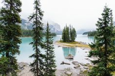 Spirit Island in Canada by Finn Beales Interview - How to become a photographer Landscape Photography, Nature Photography, Amazing Photography, Canada Landscape, Become A Photographer, Adventure Is Out There, Photography Tutorials, Photography Ideas, Beautiful Landscapes