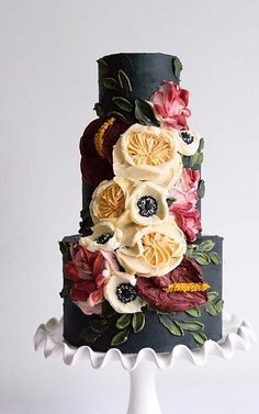 Just like bridal dresses, wedding cakes can also be trendy or obsolete. A traditional wedding cake is usually a white vanilla cake in towering stacked layers. However, we are onto year wedding cake trends are becoming more and more playful. Textured Wedding Cakes, Fall Wedding Cakes, Wedding Cake Designs, Camo Wedding, Wedding Themes, Wedding Colors, Gorgeous Cakes, Pretty Cakes, Cute Cakes