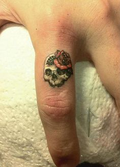 50+ Cute Small Tattoos | Cuded #skull #rose #finger