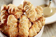 ΚΟΥΛΟΥΡΑΚΙΑ ΜΕ ΤΑΧΙΝΙ Greek Sweets, Greek Desserts, Greek Recipes, Easter Recipes, Baby Food Recipes, Cookie Recipes, Dessert Recipes, Yummy Mummy, Yummy Food