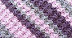 Hekel Idees: Tutoriaal: Leer hoe om die Hoek tot Hoek Kombers t. Crochet Baby Blanket Free Pattern, Crochet Square Patterns, Crochet Stitches, Love Crochet, Knit Crochet, Crochet For Beginners, Knitted Blankets, Knitting Yarn, Crochet Projects