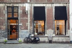 Fred de la Bretoniere/Shabbies Amsterdam brandstore Maastricht - Bredestraat.