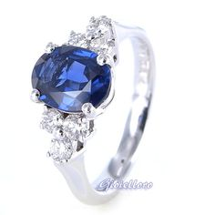 18 kt white gold ring, with 1.41 carat Blue Shappire and 0.34 carat G color diamonds