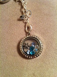 This locket makes me chilly.. Snowflake coming in Nov  www.lovetheowl.origamiowl.com